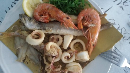 Villanova d'Albenga, Italia: fritto misto di pesce