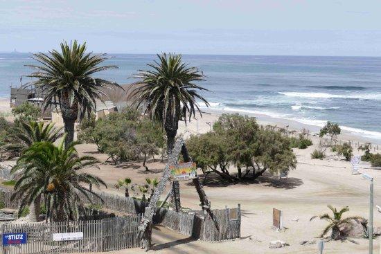 Beach Hotel Swakopmund: Blick vom Zimmer auf Strand und Ozean