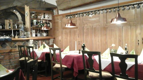 Ottensheim, Austria: Blick auf die Esstische