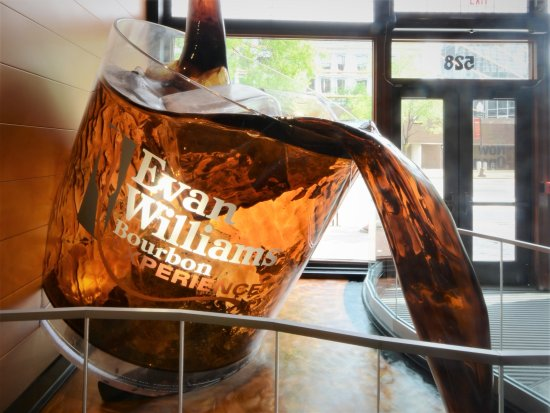‪Evan Williams Bourbon Experience‬