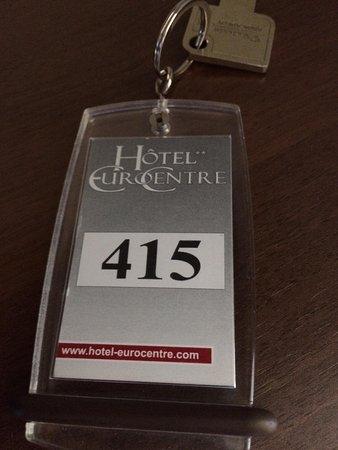 Hotel eurocentre 2 castelnau d 39 estretefonds for Numero de chambre