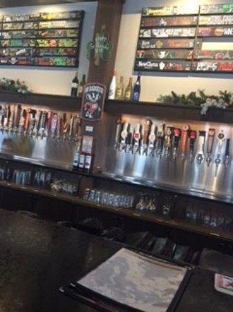 Monona, WI: bar scene