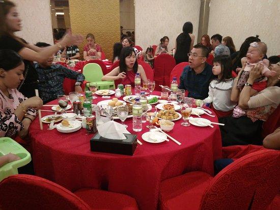 Riau Archipelago, Indonezja: Menu Chiatok grand Meranti hotel