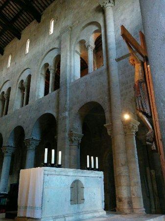 Abbazia di Sant'Antimo: interno