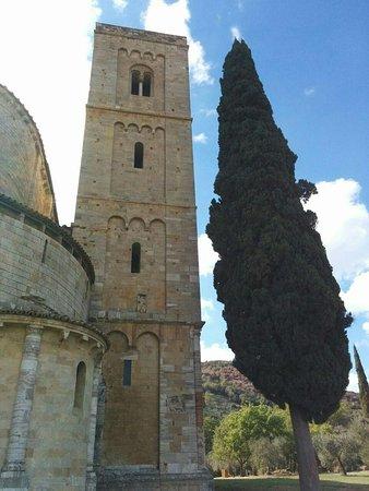 Abbazia di Sant'Antimo: il campanile