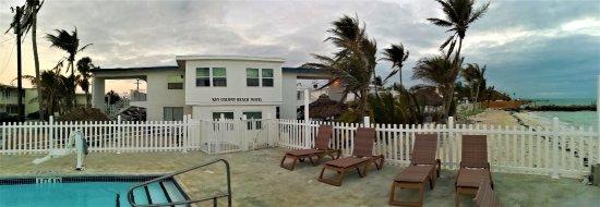 Key Colony Beach Motel: Pool und Strand