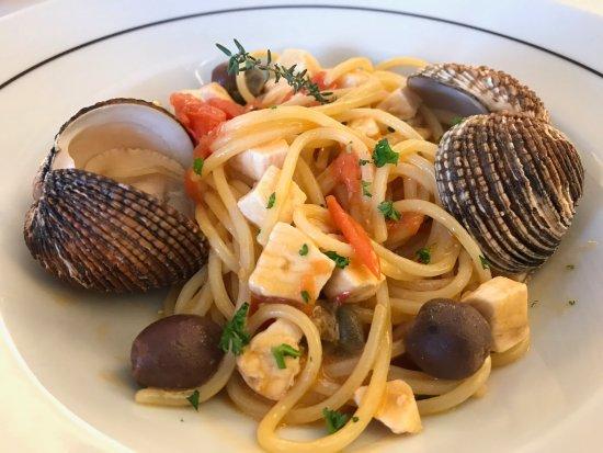 Cesano Boscone, Italia: spaghetti fantastici, si sentiva ogni sapore degli ingredienti ben distinti.