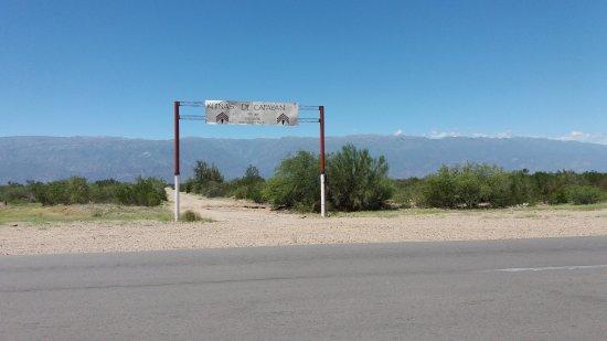 Famatina, Argentina: Arco de entrada a las ruinas