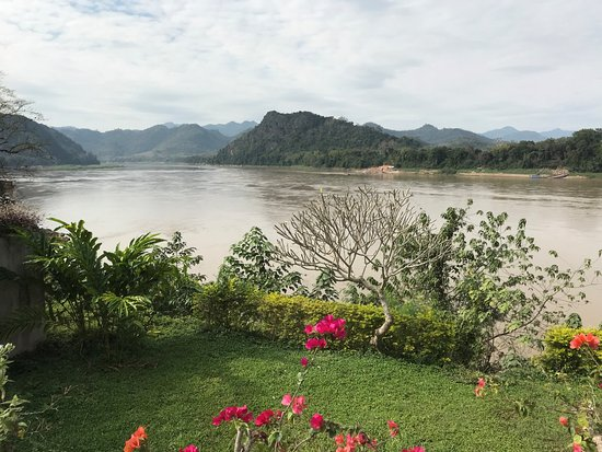 The Grand Luang Prabang Hotel & Resort: Beautiful spot for ice cold beers