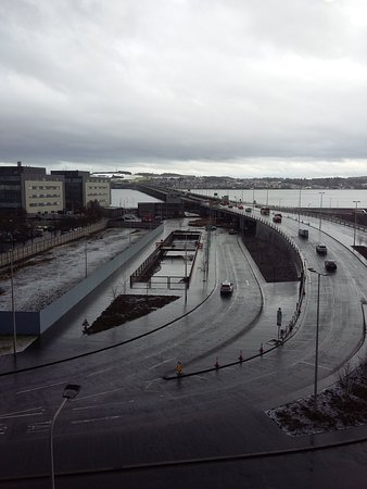 Holiday Inn Express Dundee: View of Tay Road bridge from hotel