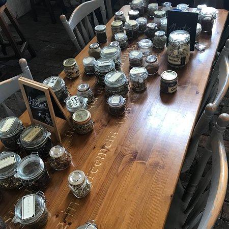 Listoke Distillery & Gin School: Gin school and Listoke house