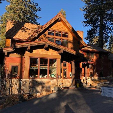 Cedar Glen Lodge: photo0.jpg