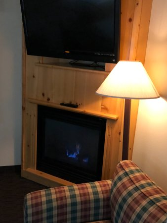 Ladysmith, WI: In-room fireplace with light-switch starter