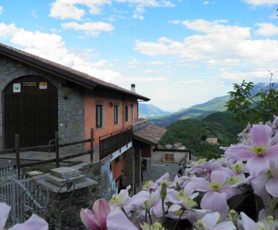 Giaglione, إيطاليا: Panorama sulla Valle di Susa