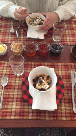 Miller Lake, Canada: Her breakfasts are so amazing... I wanted to move in full time!