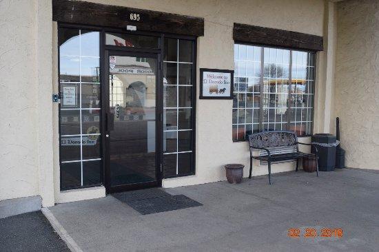 Eldorado Inn: Entrance