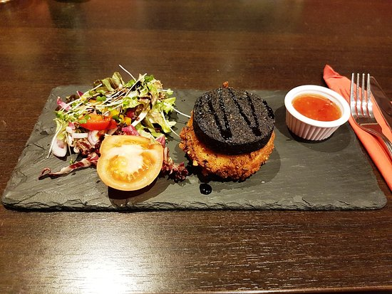 Larbert, UK: Starter - Goats Cheese and Black Pudding Stack