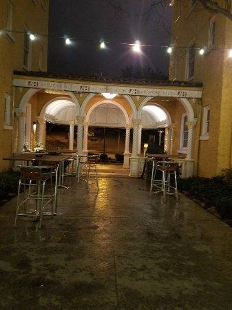 Artmore Hotel: 20180218_232415_large.jpg