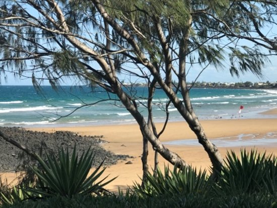 Bargara, Αυστραλία: Out the back door to this!