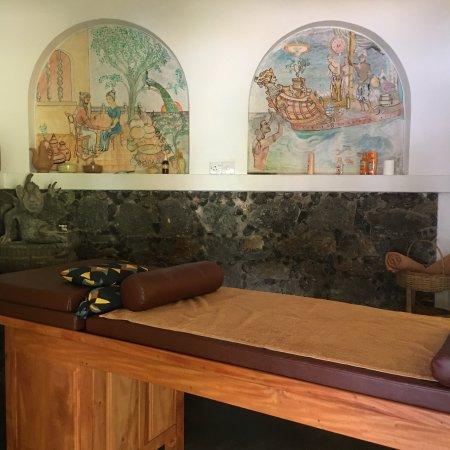 Ayubowan Swiss Lanka Bungalow Resort: Das Ayubowan ist eine Idylle, in der man wunderbar entspannen kann. Der Pool, Massagen und die k