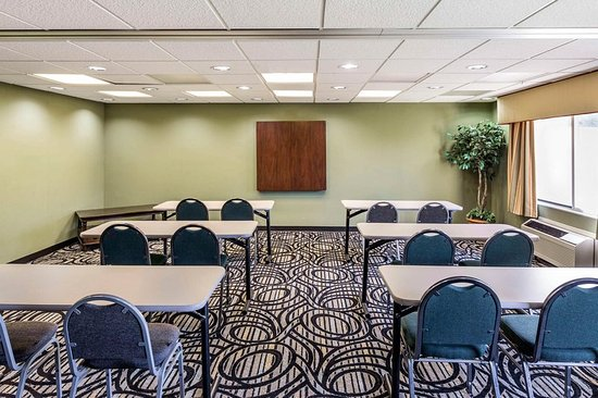 Quality Inn and Suites: Meeting room