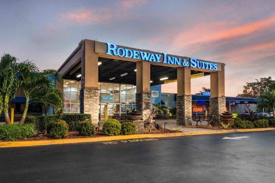 Rodeway Inn & Suites Fort Lauderdale Airport Port Everglades Cruise Port Hotel