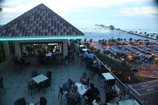 Pier House 60 Marina Hotel