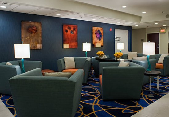 Fairfield Inn & Suites Lancaster: Lobby