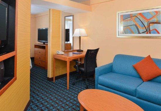 fairfield inn suites lexington georgetown college inn. Black Bedroom Furniture Sets. Home Design Ideas