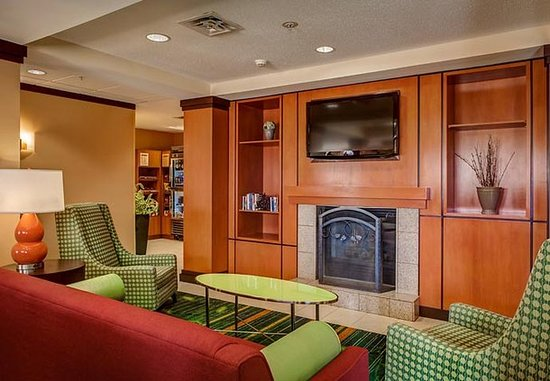 Fairfield Inn & Suites Indianapolis Noblesville: Bar/Lounge