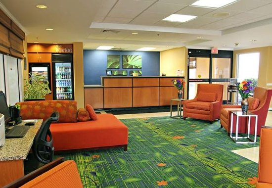 Princeton, IN: Lobby
