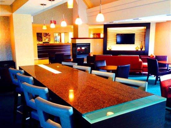 Residence Inn San Diego Rancho Bernardo/Scripps Poway : Mixer and breakfast area