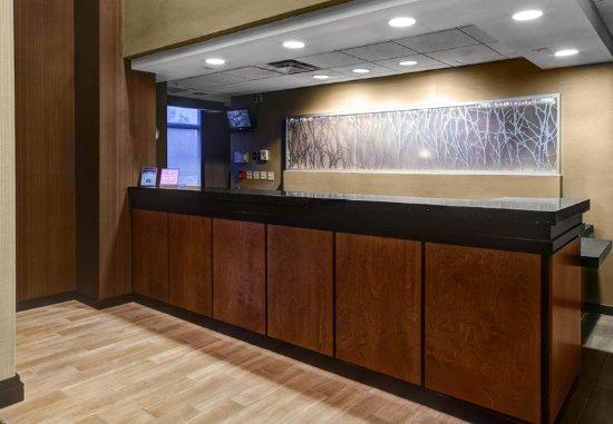 Fairfield Inn & Suites Anniston Oxford: Lobby