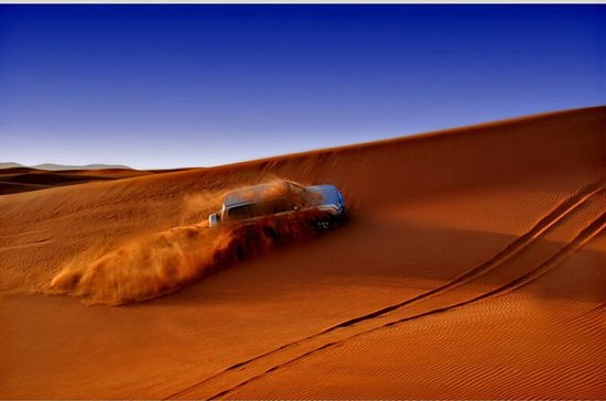 Dubai Red Dune Half-Day Tour with Dune Bash and BBQ Dinner