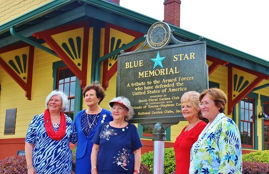 Currahee Military Museum: This is the Blue Star marker that was present to us, the former members of our local Army Nation
