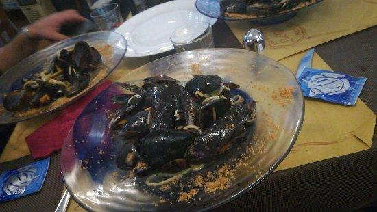 Pollenzo, إيطاليا: Spaghetto di gragnano ai frutti di mare.