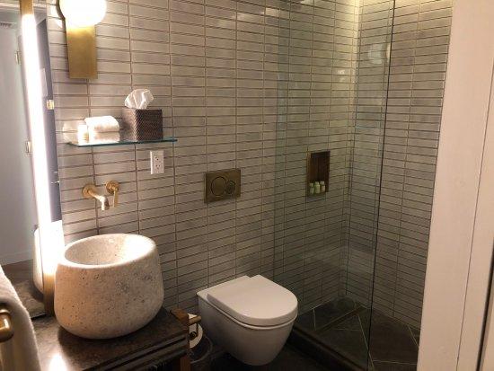 Schönes Bad schönes bad mit regendusche picture of made hotel york city