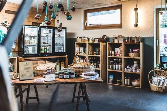 Maienfeld, Suiza: Regionale Spezialitäten von www.buyfresh.ch