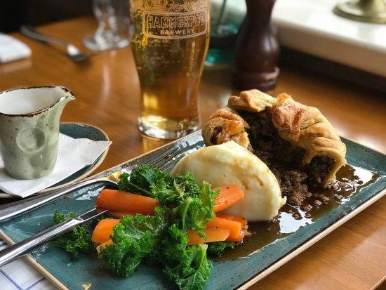 Monty's Inn: Homemade pies