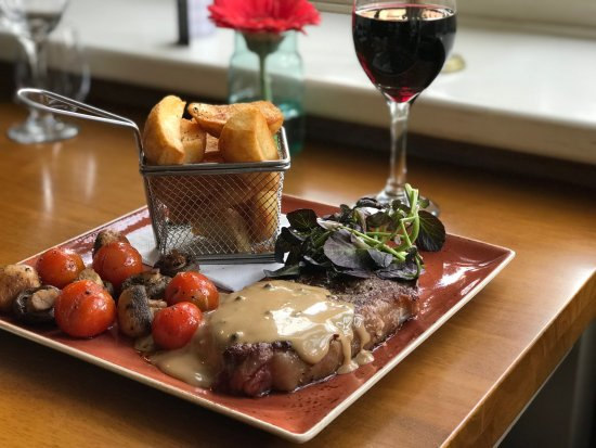 Monty's Inn: Locally sourced cuts of beef