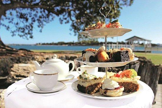 Grindelwald, Australia: beautififul presentation of High Tea !!