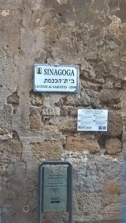 Pitigliano, Italy: quartiere ebraico