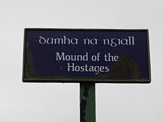 County Meath, Ireland: Sign Mound of the Hostages