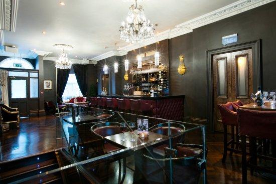 "Harcourt Hotel: ""The Black Door"" Piano bar"