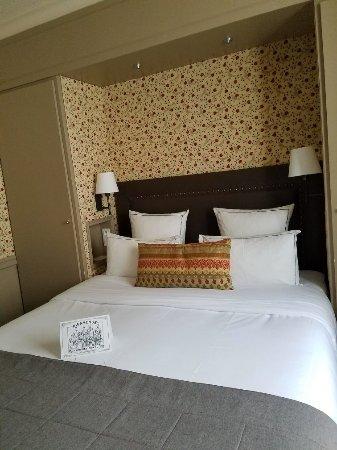 Hotel de Londres Eiffel: 20180209_161717_large.jpg