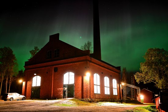 แครมฟอร์ส, สวีเดน: Northern light over Box.