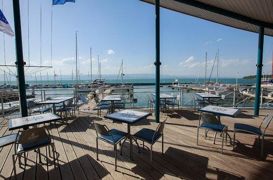 Le bistro thonon les bains 2 quai de ripaille restaurant reviews phone number photos - Restaurant port de thonon ...
