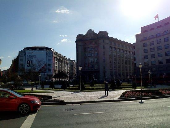 Plaza Moyua: IMG_20180221_151634129_large.jpg