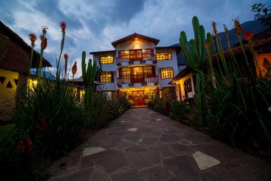 Coya, Peru: Vista exterior del Hotel