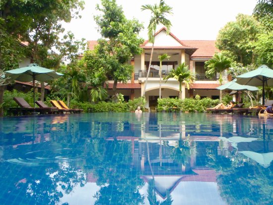 Central Boutique Angkor Hotel: l'une des 2 piscines - très agréable après la visite d'Angkor